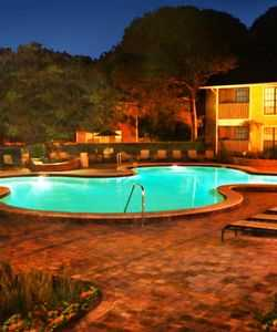 Legend Oaks Luxury Apartments in Wellswood Tampa Feature a Beautiful Resort-Style Swimming Pool