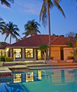 Beautiful Pool Side at Ashley Lake Park Pet-friendly Boynton Beach Apartments