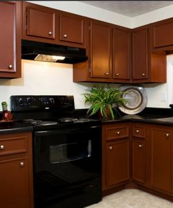The Reserve at Stone Creek Apartments in Stone Mountain Features Fully-Applianced Kitchens and Other Luxury Amenities