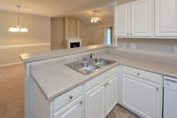 Luxurious Apartments at Lakeshore Grande in Fayetteville, NC